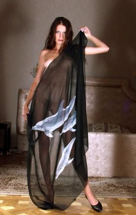 Barbara bourgeoise sexy nue en tenue transparente en train de poser